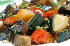 Баклажаны тушёные с овощами